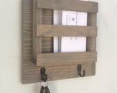 Mailbox, Mail, Mail Organizer, Key Holder, Rustic, Letters, Magazines, Reclaimed Wood, Farmhouse, Barn, Woodwork, Keys, Home Decor