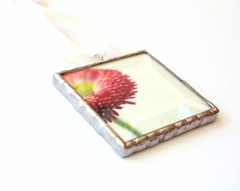 Red strawflower ornament, stained glass ornament, gift for mom, gift under 20, garden flower wall art, small photograph ornament