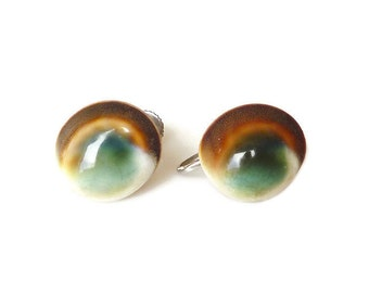 Vintage Operculum Shell Earrings - Cats Eye, Screw Back, Silver Tone, Shell Jewelry, Vintage Earrings, Vintage Jewelry