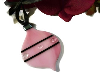 Diva Christmas Ornament, Fused Glass, Round, Retro, Old Fashioned, Pink, Black, Sun Catcher