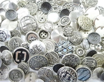 Vintage Silver Tone Metal Pretty Sewing Buttons Notions Emellishments Lot Collection