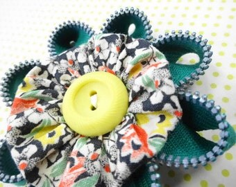 Flower Power Vintage Recycled Metal Zipper Fabric YoYo Sewing Button Embellishments Brooch Pin Decoration Ornament Handmade