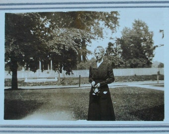 Old Photograph - Out to Old Aunt Mary's
