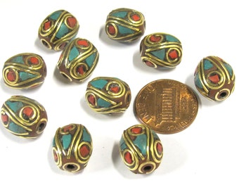 4 Beads -  Oval shape ethnic Nepal brass beads with turquoise coral inlay - BD816