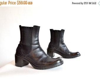 50% OFF SALE / Vintage 1990s CHELSEA ankle boots / 6.5