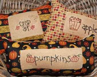 Primitive Ornies Bowl Fillers Prim Tucks Make Do Fall Autumn Halloween Pumpkins Apples