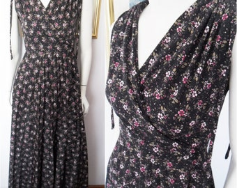 Vtg.70s Black Floral Crossover Bodice Neckline Accordion Pleated Skirt Goddess Maxi Dress.Small.Bust 36-38.Waist 28.