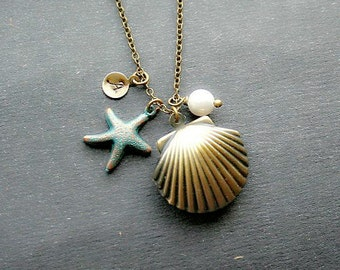 Sea Shell Locket Necklace, Star Fish Necklace, Monogram Necklace, Personalized Locket Necklace, Initial Sea Shell Locket, Starfish Initial