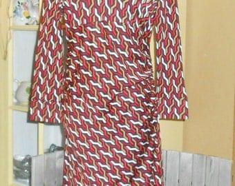 Silk Jersey Wrap Dress Designer Dress Size 10  Diane Von Furstenberg Graphic Chain Print V Neck Long Sleeve Dress
