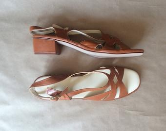 WEEKEND SALE! vintage 1970's thick block heel sandal / woven strap / ankle buckle / 70's vintage shoes / retro mod 70's /  deadstock nos