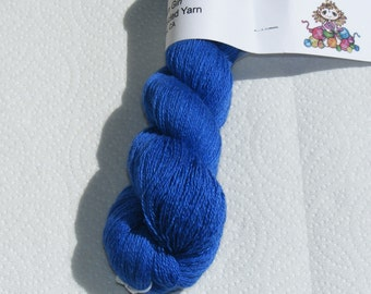 Blue silk/cashmere recycled yarn