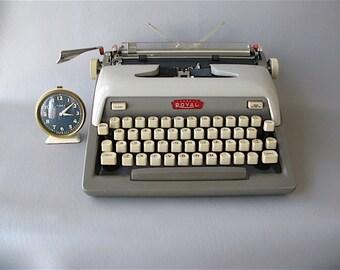 Royal  Typewriter, Futura, Manual, portable