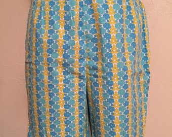 MOD Turquoise and Yellow Floral Stripe Vintage CAROL BRENT Bermuda Shorts 18