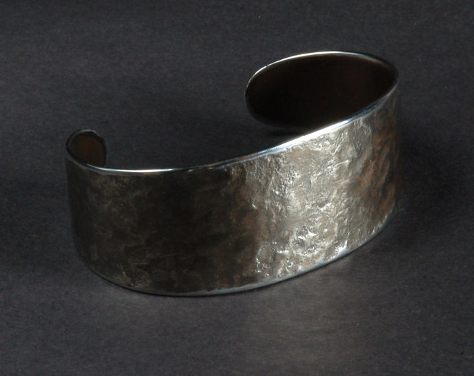 Silver Hand Forged Cuff Bracelet Hypoallergenic Unisex Stainless Steel Anvil Textured Signed Original by Robert Aucoin, Artist Fits Size 7-8