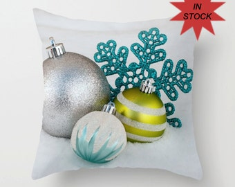 Turquoise and Green Holiday Pillow Covers, Christmas Chair Throw Cushion Case, Festive Snowflake Home Decor, Modern Snow Themed Accent
