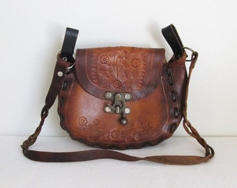 40% OFF SALE Vintage 1970's Brown Leather Crossbody Purse / Boho Rustic Western Tooled Leather Cowgirl Handbag