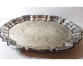 1970s Large Silverplate Tray, Oval Footed Scalloped Edge  Shallow Decorative Dish, Electroplated Vanity Tray, Leonard Silver, USA