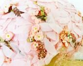 Vintage 1930s pastel pink millinery hat with veil/ shabby flowers/Velvet petals/pale pink
