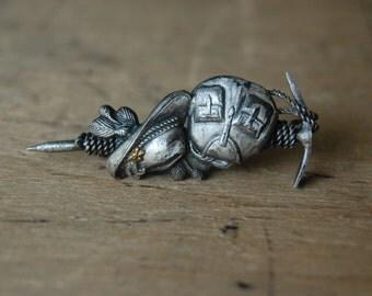 Vintage 1950s German alpinism mountaineering souvenir pin ∙ Edelweiss mountain climbing pin