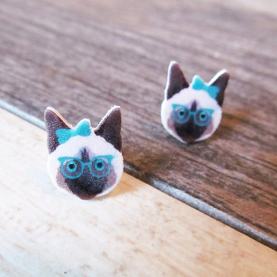 Small, cat, hat, earrings, shrink plastic, brown, turquoise, glasses, siamese,  stainless stud, handmade, les perles rares