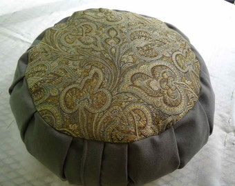 Meditation cushion with beautiful Paisley pattern in Gray and Gold
