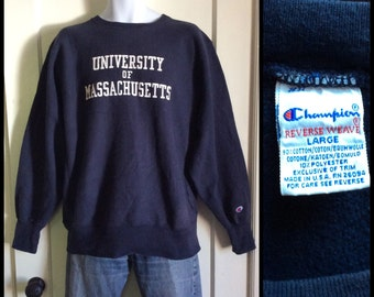Vintage 1980s UMASS University of Massachusetts Champion Reverse Weave Sweatshirt size Large Dk Blue made in USA