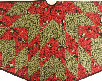 Quilted Christmas Tree skirt red green star handcrafted