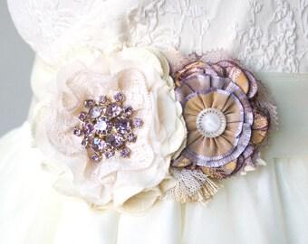 Lavender Wedding Sash, Floral Bridal Belt, Wedding Sash, Fabric Flower Sash, Lilac Purple and Gold, Unique Wedding Dress Sash, Flower Sash