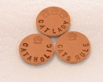 Choice Of One Hand Stamped Personalized Cat Sayings Leather Pads for 30mm 316L Stainless Steel Aromatherapy Lockets
