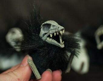 Pic Abdab - spooky fish skull Halloween plushie