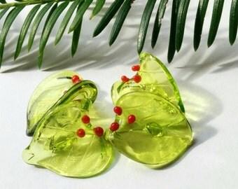 Christmas Leaves, Red Berries - Handmade Lampwork Beads - UK - SRA