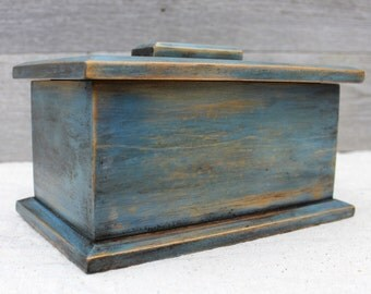 Wooden Box with Lid in Weathered Blue