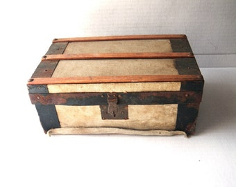 """Antique Steamer Trunk for Doll - Fabric Covered Wood & Metal 10"""" x 6"""" x 4"""" Shabby"""