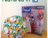 Pinwheel bouquet with roaett fan accents
