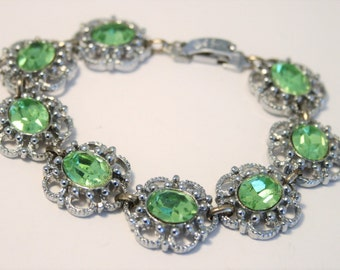 Vintage green glass bracelet.  Lime green glass bracelet