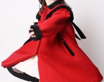 ON SALE 65% ends May 1st 80s Victorian Red and Black Wool Girls Coat / Children's Black and Red Victorian Coat / Kids Swing Coat / Children'