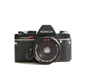 vintage SLR 70s 80s KONICA Manual Single Lens Reflex camera with ORIGINAL lens