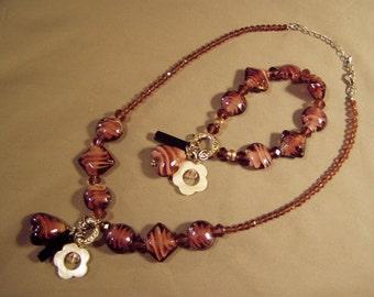 Vintage 1980s Purple Art Glass Bead Necklace & Bracelet Set Dangling Charms 8173