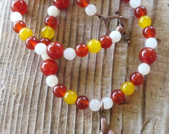 Red and Yellow Agate and White Shell Beaded Necklace with Dragons Vein Pendant