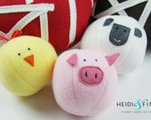 NEW Farm Friends soft toy animal ball 3 plush toy balls in a zippered barn