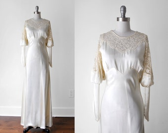 1930's satin wedding dress. 30's ivory gown. liquid satin. lace. 30 champagne dress. s. bias cut.