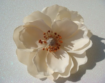 Champagne ivory magnolia wedding flower hair clip / ivory flower / wedding flower comb / flower hair comb pin clip / bridal flower comb