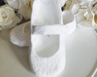 Baby Girl Shoes, Toddler Girl Shoes, Flower Girl Shoes, White Lace Mary Janes, Ivory Lace, Blush Lace, Shabby Baby, Christening Shoes
