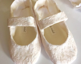 Baby Girl Shoes, Toddler Girl Shoes, Flower Girl Shoes, Blush Lace Mary Janes, Ivory Lace, White Lace, Shabby Baby, Christening Shoes