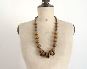 Vintage 70's Wood Beads Necklace  / Bohemian Gipsy Necklace