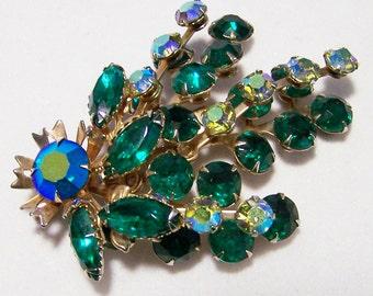 Emerald Green Rhinestone Floral Spray Pin Aurora Borealis Brooch Mid Century Vintage Jewelry 416DGZ