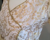 White Gold Vintage Crosso...