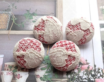 Fabric Covered Buttons - Retro French Style Chic Off White Lace Floral On Red Gingham (4Pcs, 0.98 Inch)