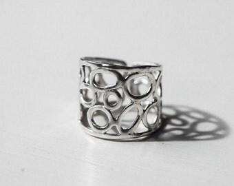 Circles Wide Band Adjustable Ring