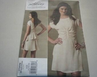Pattern Ladies Dress  Size 4 to 10 Vogue 1209 A